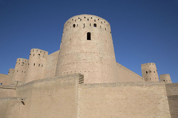 Foto di Looking up the sturdy walls of the citadel of HeratHerat - Afghanistan