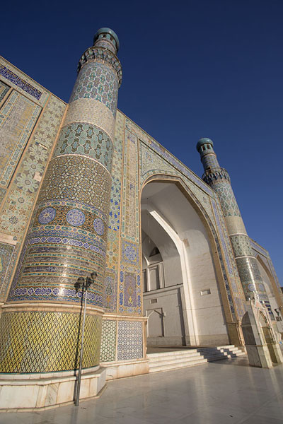 Photo de Looking up the minarets of the Friday MosqueHerat - Afghanistan