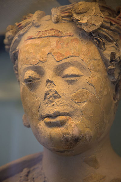 Picture of Kabul Museum (Afghanistan): Statue of female figure, entrance of Kabul Museum