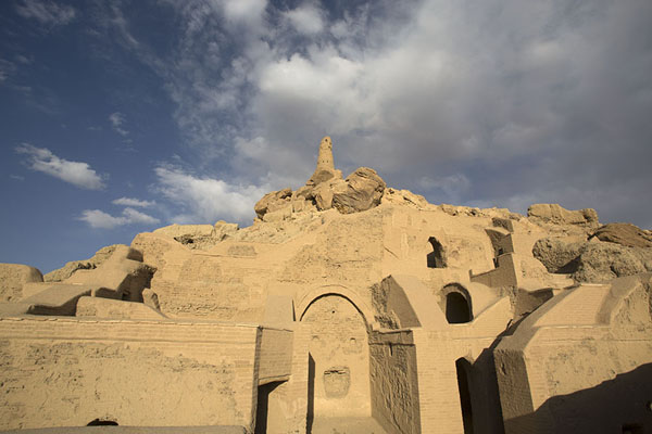 Foto di Looking up the City of ScreamsBamiyan - Afghanistan