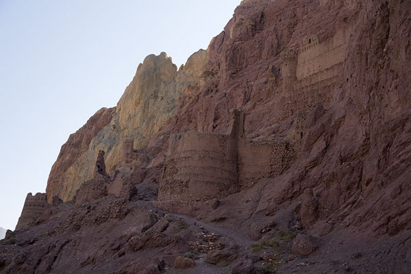 Looking up the mountain on which the Red City is built on the north side | Shahr-e-Zohak | Afghanistan