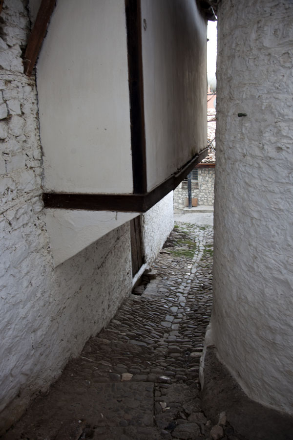 Alley with white-washed houses in Mangalem | Mangalem | Albania