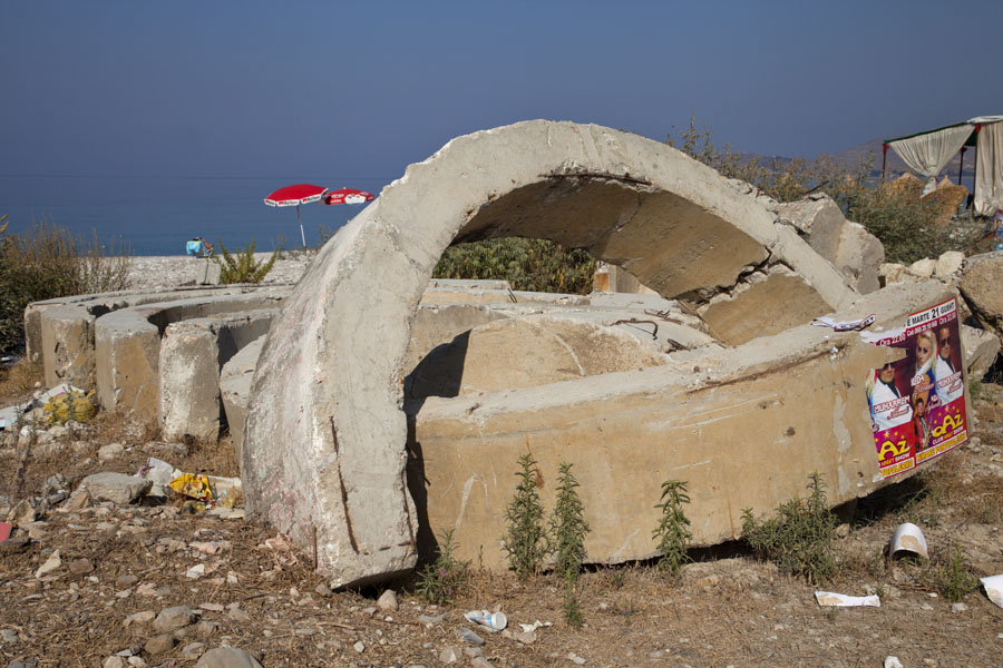 Picture of Borsh bunkers (Albania): Ruins of bunkers at the beach of Borsh
