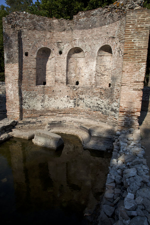 Picture of Butrint (Albania): Curved wall and pool at what once was the gymnasium