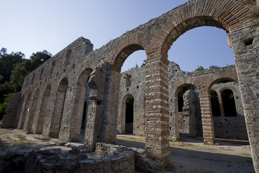 Picture of Butrint (Albania): Arched ruins of the Great Basilica of Butrint