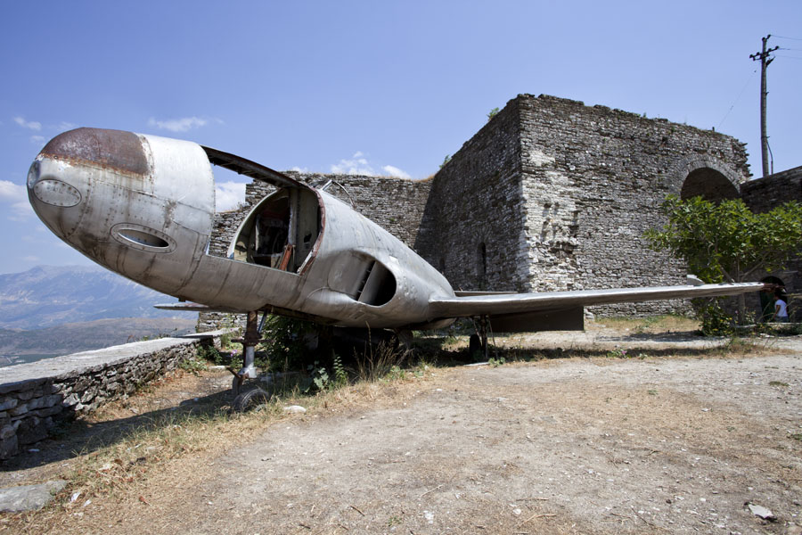 Picture of Gjirokastër Castle (Albania): US fighter jet that was used for propaganda in the Hoxha era on display on the castle of Gjirokastër