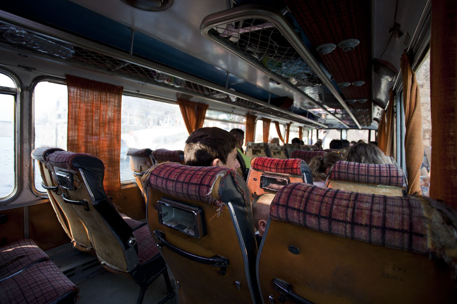 Foto van People sitting in the bus-boat - Albanië
