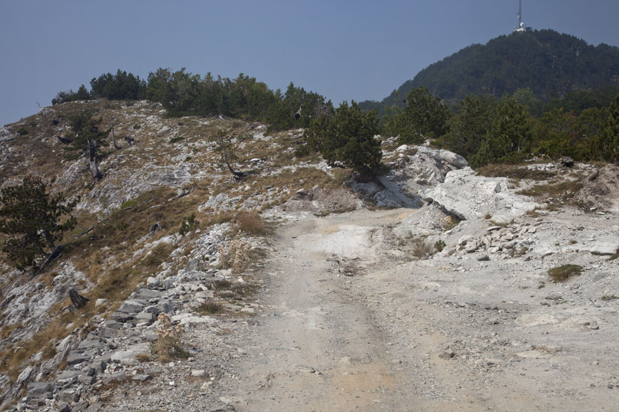 Foto van The dismal road between Bogë and Theth - Albanië
