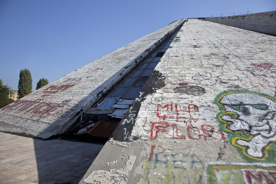 One of the angles of the graffiti-covered pyramid | Tirana Pyramid | Albanie