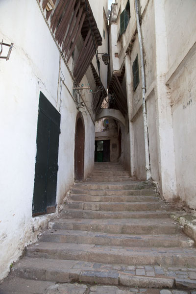 Stairs leading up an always narrower alley | Algiers Casbah | Algeria