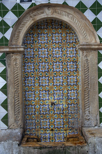 Fountain on the outside of the Djemaa Ali Bitchine mosque in the lower Casbah | Algiers Casbah | Algeria