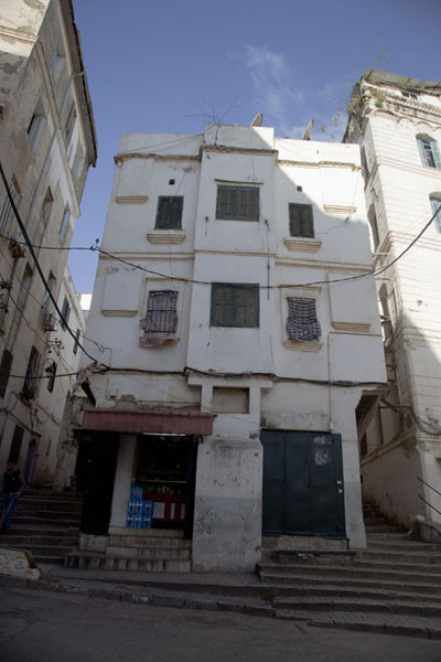 House with stairs leading up the Casbah on two sides | Algiers Casbah | Algeria