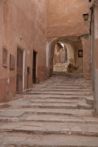 Steps leading up an alley in Beni Isguen - 阿尔及利亚
