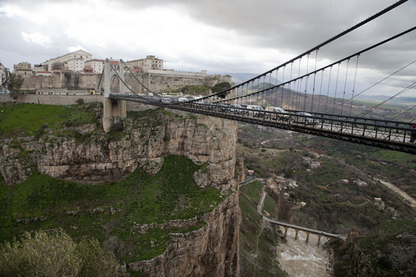 Picture of Sidi M'Cid bridge spanning the canyon through which the Rhumel river flows