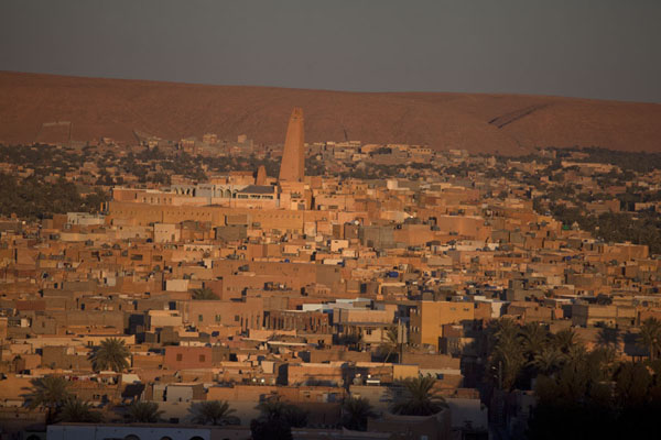 Foto van Algerije (Sunrise over the old town of Ghardaïa)