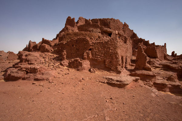 Looking up the ksar of Ighzer | Sebkha Circuit | Algeria