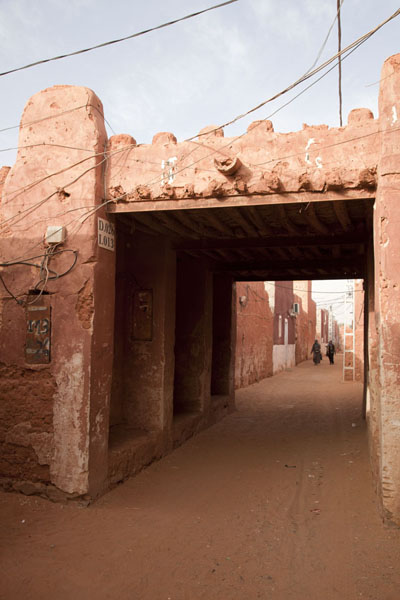 Picture of Timimoun Old Town (Algeria): Streets in the old part of Timimoun are sandy