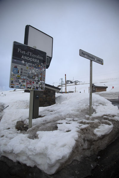 Marker of Envalira mountain pass at 2408m | Port d'Envalira | Andorre