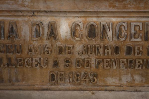 Foto di Detail of 19th century tombstone at the cemetery of Alto das CruzesCimetero Alto das Cruzes - Angola