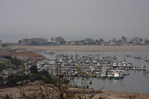 Foto van Port in Luanda Bay with Ilha as seen from the FortalezaFortaleza de São Miguel - Angola
