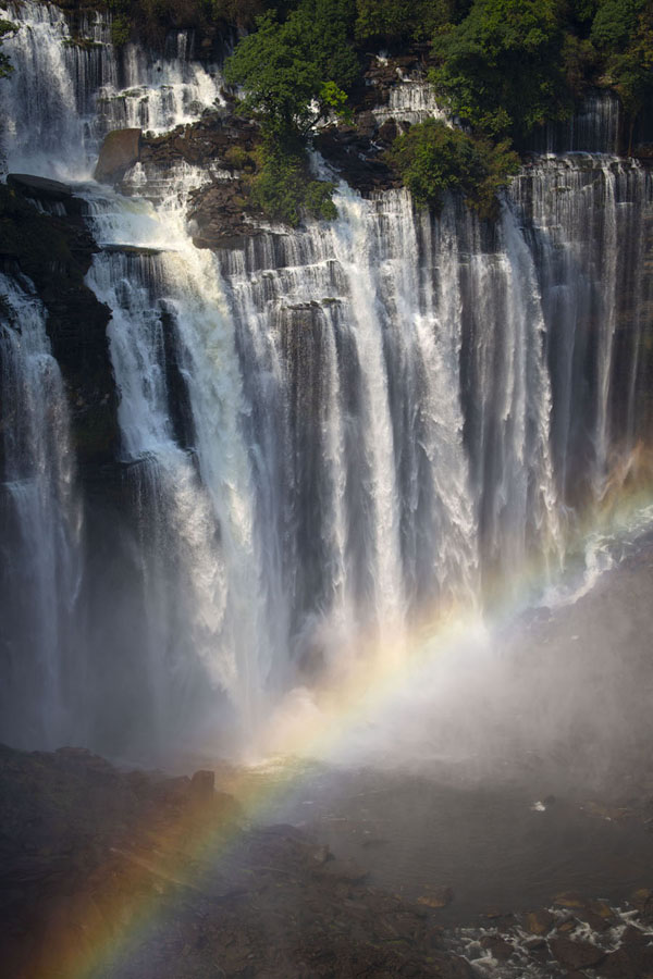 Photo de Kalandula Falls with rainbowKalandula - Angola