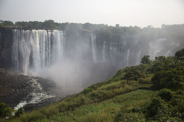 Foto di Morning view of Kaladula FallsKalandula - Angola