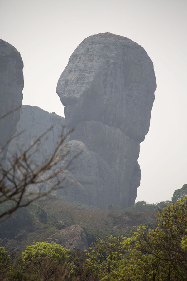 Enormous rock boulders at Pungo Andongo - 安哥拉