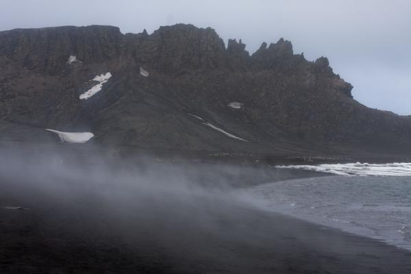 Steam coming off the ground at Deception Island | Deception Island | Antarctique