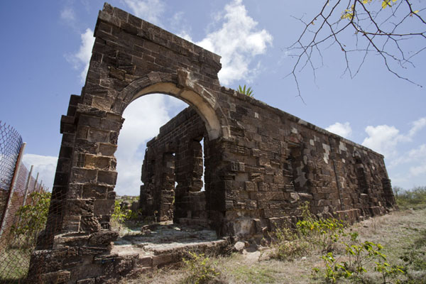 Foto van Ruins of Officer's Quarters at Blockhouse Hill - Antigua en Barbuda - Amerika