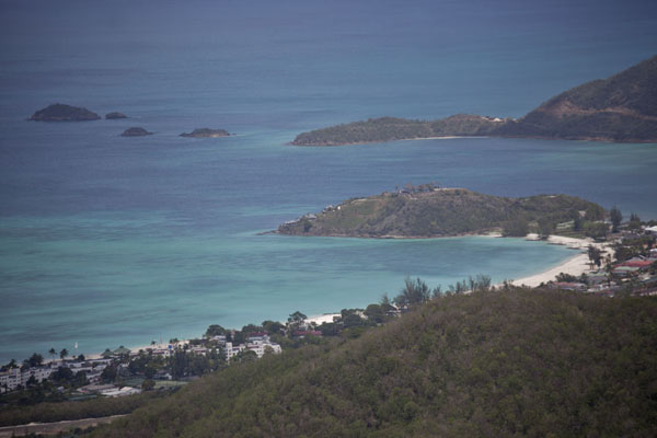 Foto van View from the summit of Mount Obama with Jolly Harbour - Antigua en Barbuda - Amerika