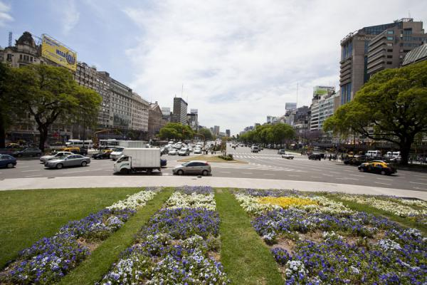 Picture of Avenida 9 de julio (Argentina): Flower beds on Plaza de la República with a view of Avenida 9 de Julio