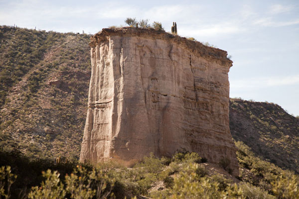 Picture of El Chiflón (Argentina): This curious cliff island rises in the middle of the canyon at El Chiflón