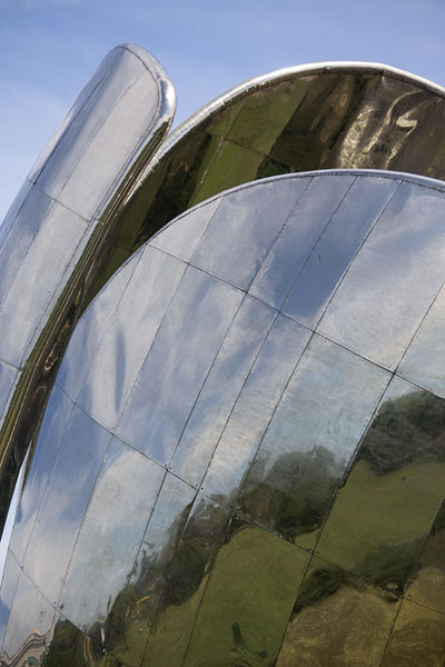 Close-up of the Floralis Genérica - 阿根廷