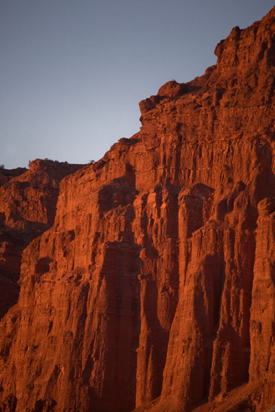 Close-up of the cliffs near El Hongo just before sunset | Parque Ischigualasto | Argentina
