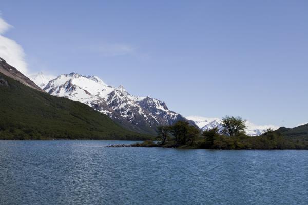 Laguna Hija with small island | Parque Nacional Glaciares | Argentinië