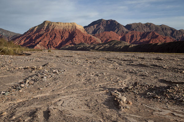的照片 Colourful mountains in the early morning in the Quebrada de Humahuaca - 阿根廷