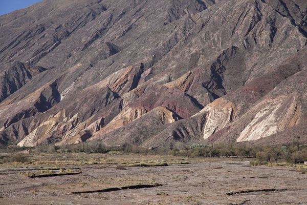 的照片 Paletas del Pintor: colourful rocky mountain range near Maimará - 阿根廷