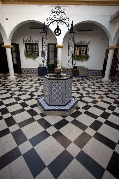 Picture of San Isidro Historic Town (Argentina): Inner courtyard of the Quinta los Ombúes, currently a museum