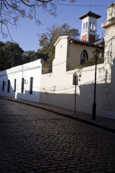 Picture of Typical street scene in San Isidro with cobblestones