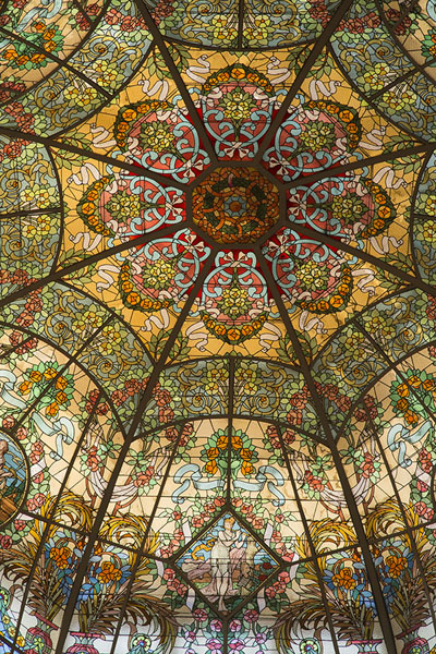 Picture of Teatro Colón (Argentina): Delicate stained glass ceiling in Teatro Colón