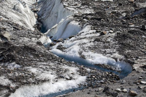 Picture of Viedma Glacier (Argentina): Surface of Viedma Glacier with grit and small stones