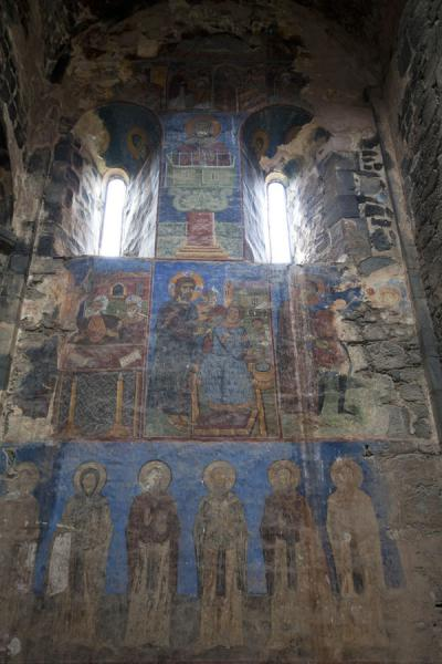One of the fresco-covered walls of Akhtala church | Monasterio de Akhtala  | Armenia