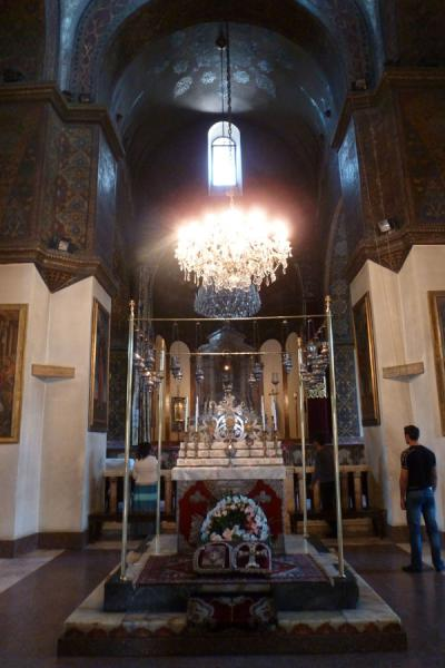Foto van Interior of Ejmiatsin with the relics at the precise spot where the Only Begotten gave a sign to Gregory the Illuminator - Armenië - Azië