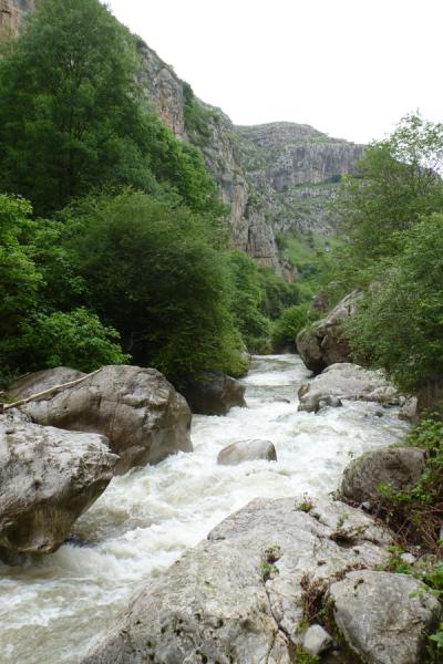Boulders and river in the narrow Karkar gorge | Karkar gorge hike | Armenia
