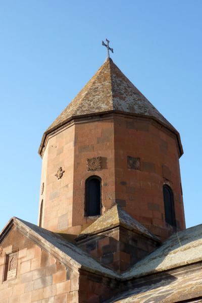Twelve-sided tholobate and dome of Astvatsatsin church at Khor Virap monastery | Khor Virap klooster | Armenië