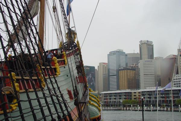 Foto van Old ship in modern harbourSydney - Australië
