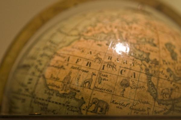 Small globe with animals depicted in Africa | Wereldbollen Museum | Oostenrijk