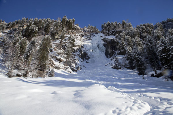 的照片 Snow-covered landscape with a frozen waterfall perfect for ice-climbing - 奥地利