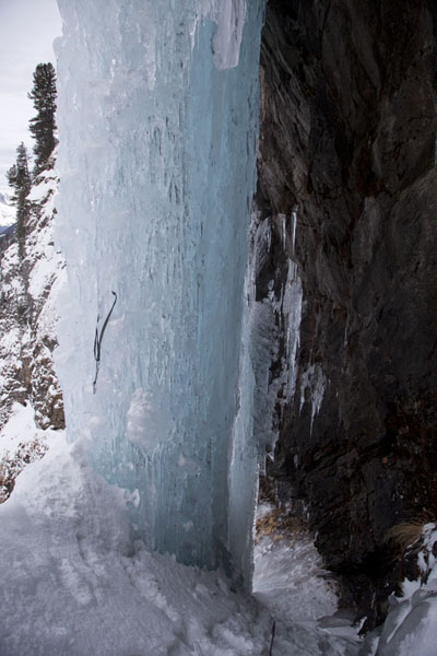 Foto van Two frozen waterfalls coming down from a rocky cliffTirol - Oostenrijk