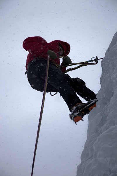 Getting the grips on ice on the first day | Iceclimbing Tirol | 奥地利